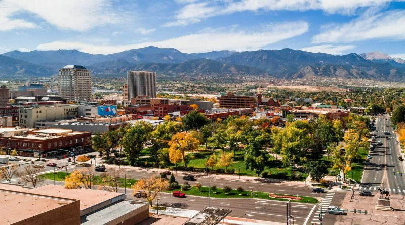 Reasons to buy a home in Colorado Springs