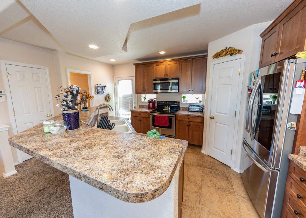 4351 Susie View kitchen